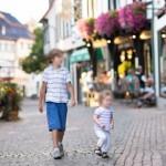 Faut-il laisser les grands frères/sœurs emmener les petits à l'école ?