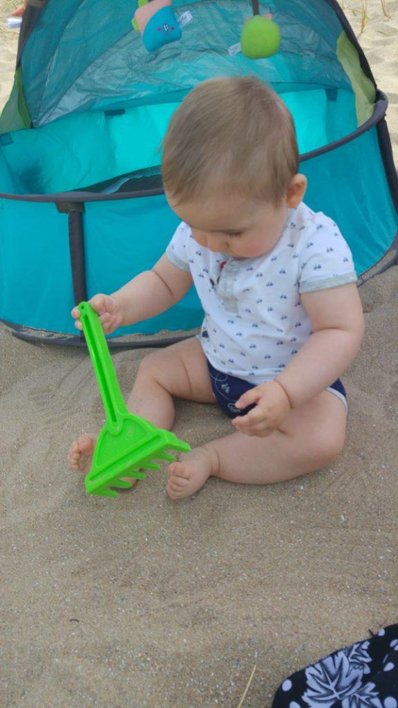 bebe-plage-sable-babyni-3