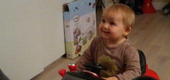 Bébé debout, papa devient fou ! Trotteur ou pas ?