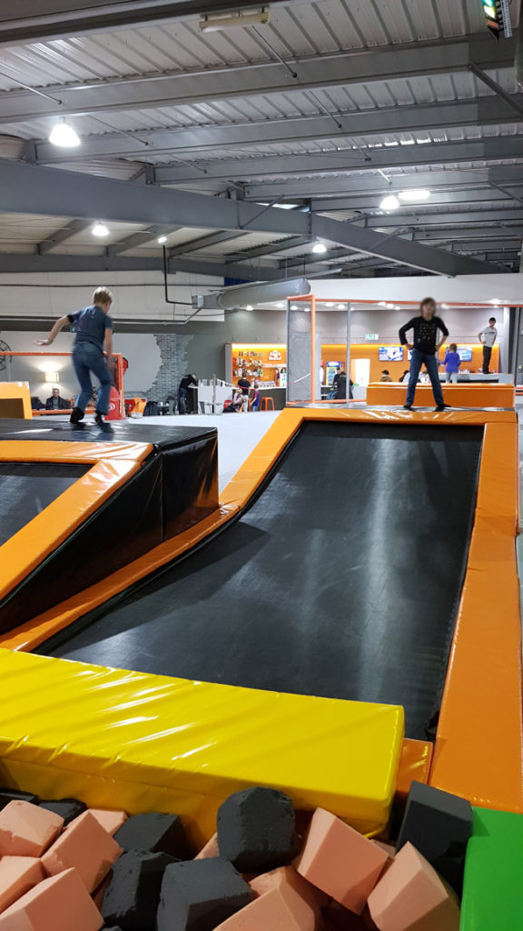 urban-jump-trampoline-aire-de-jeu
