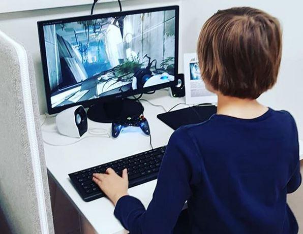 enfant ordinateur jeux